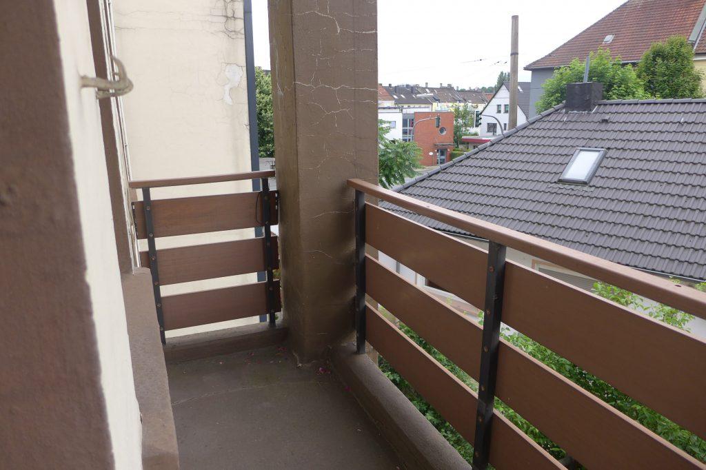 9 Balkon vorher